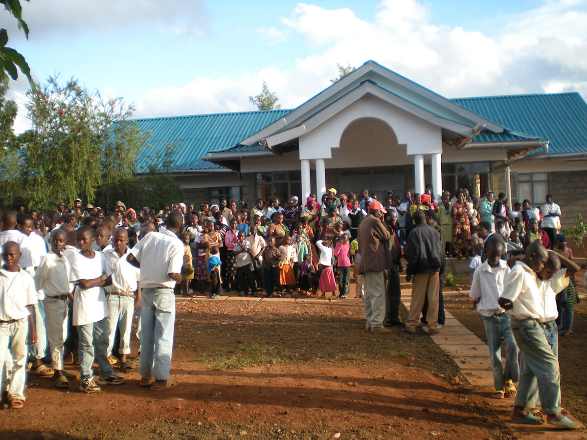 """Kenia (una struttura di accoglienza """" Aina's children's home Mirella Piazzesi"""" per bambini affetti dal virus HIV) ."""
